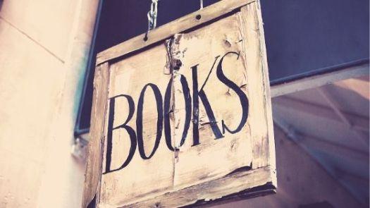 Schild einer Buchhandlung